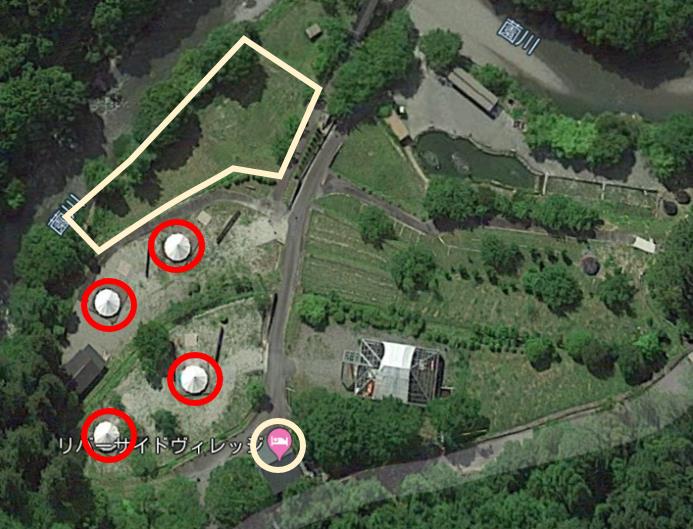 キャンプフィールドのテントサイトについて説明図